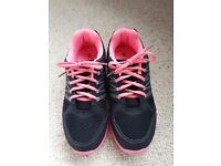 Brand new women's trainers UK6