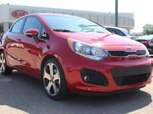 2015 Kia Rio LOW KMS!! HEATED WHEEL, HEATED SEATS, BACKUP CAM