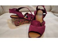 Pink Clark's Womens Shoes Size 5