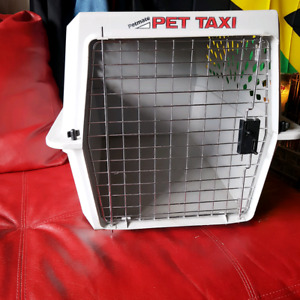 DOG CARRIER... PET TAXI FOR MEDIUM SIZED DOG... $30