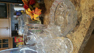 2 glass vases and bowl