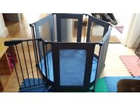Lindam Playpen/room divider, good condition from non smoking pet free home