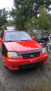 ACCENT 2004. 1000$nego 129 000km