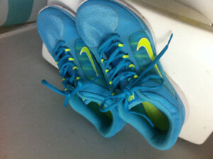 Women's Nike Running Shoes Sneakers size 10 NEW