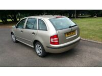 2006 SKODA FABIA ESTATE ON 1.2 LITRE PETROL, DRIVES VERY WELL,CHEAP INSURANCE AND FUEL CONSUMPTION!