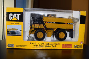 DIE-CAST CATERPILLAR SCALE MODELS (1:50) ON ORIGINAL BOXES