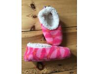 Free baby slippers 6-12 months