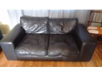 FANTASTIC REAL LEATHER SOFA IN VERY GOOD CONDITION , AS NEW ONLY £99
