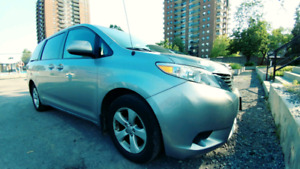 Toyota Sienna LE 7 Passengers Good condition