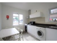 Bedsit ( shared kitchen )£254p/w all bills included CRICKLEWOOD