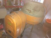 Spomasz Biatystok BS 125 electric cement mixer.