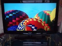Samsung 40 inches freeview TV 3xhdmi with original remote