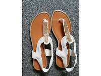 Sandlas size 6