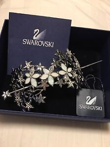 AUTHENTIC SWAROVSKI HAIR BUN HOLDER VERY ELEGANT