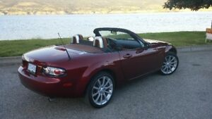 2006 Mazda MX-5 Miata Grand Touring Convertible