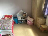 single & double room available with a walkable distance of 20min to havant station