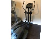 Life Fitness 9500HR Crosstrainer ****WILLING TO NEGOTIATE ON PRICE****