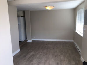 2BR Small Detached House in Surrey