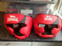 2 Lonsdale boxing hats