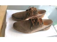 !Like new!Clark shoes for men- size 8