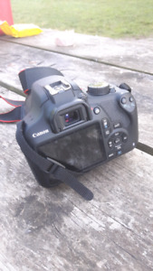Canon Rebel T5- Lightly used