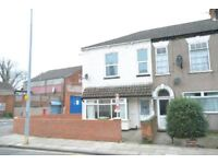 2 bedroom flat in Earl Street, Grimsby