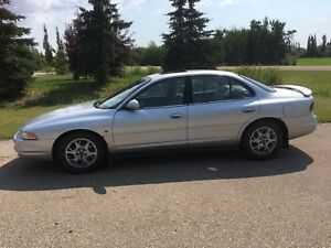 Clean 2003 Oldsmobile intrigue Fully loaded