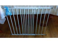 Adjustable white Stair Gate with wall fixings. Good Condition