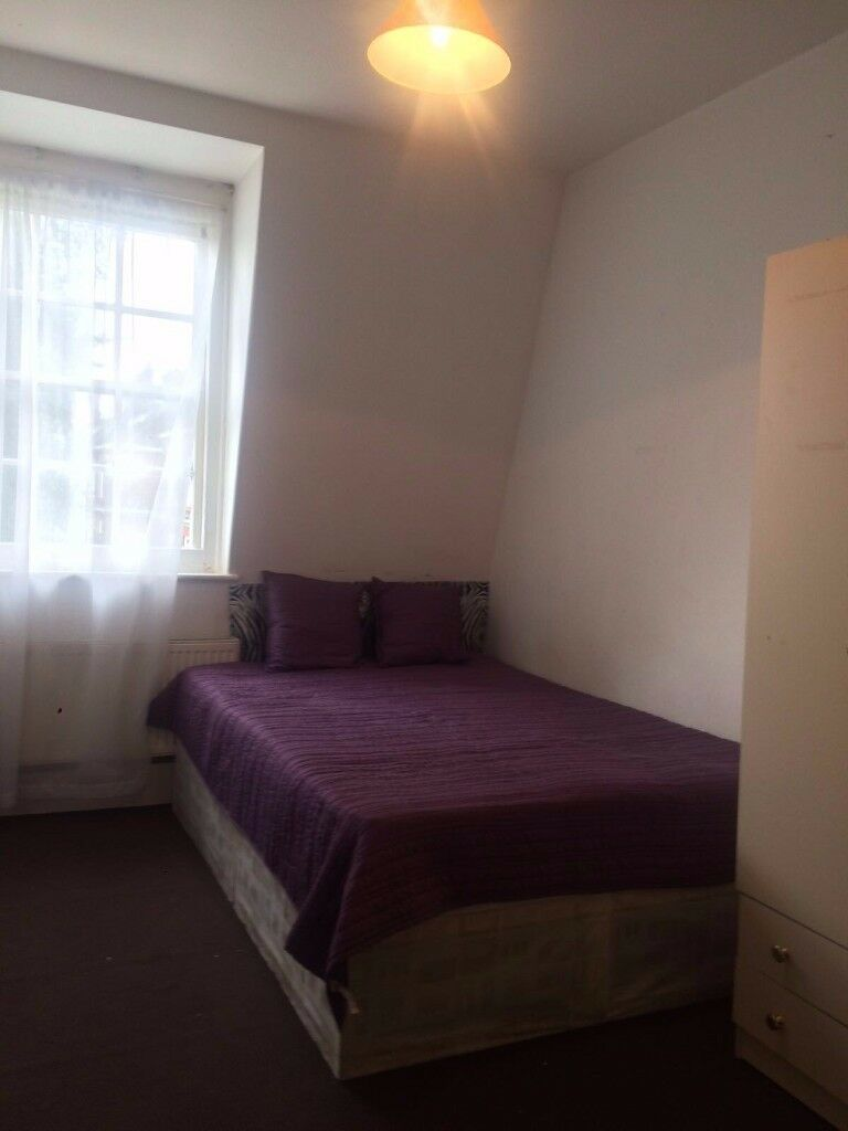 Lovely double Room in a Wonderful Flat Zone 2 Available ! BILLS INCLUDED!CE2; W12 0LY