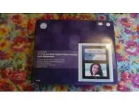 "Motorola 7""/17.8cm dual digital photo frames"