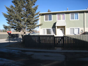 HINTON, AB Condo Priced to Sell GOOD CONDITION