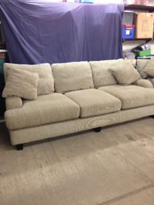Clean Comfy Couch set (3)