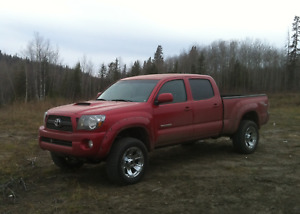 2011 Toyota Tacoma TRD Sport PickupTruck, lift kit, first owner