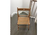 Collapsable wooden chair