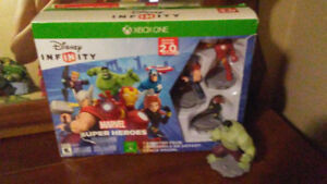 Disney Infinity 2.0 with bonus Hulk for XBox One