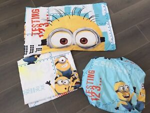 Twin set Minion bed sheets