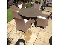 Rattan garden patio/conservatory circular table and 4 chairs £150 Ono tel 07966921804