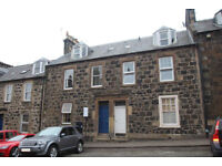 Festival Let - Great 2 bedroom flat in centre Stirling 39 minutes to Edinburgh by car!