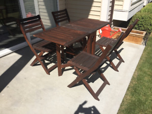 Patio table and 4 folding chairs