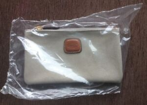 Authentic Ladies BRIC's Leather Zippered Pouch