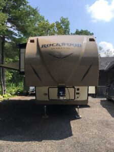 ROCKWOOD ULTRA LITE FIFTH WHEEL 2720WS