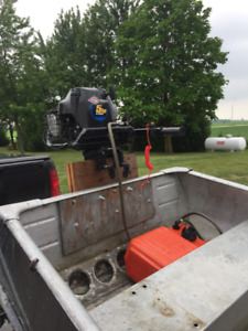 12 ft aluminum with 5hp 4 stroke Briggs & Stratton outboard