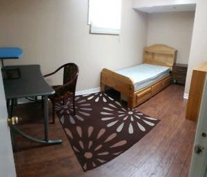 544 First Ave Niagara College Welland student room FOR RENT