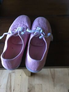 Girls shoes