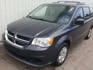 2012 Dodge Grand Caravan SE/SXT AWESOME AND LOADED PASSENGER...