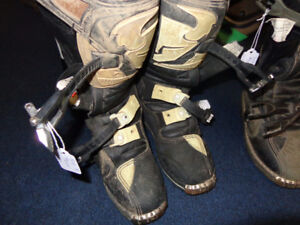 Motocross boots-youth 4, 5 and 7-  recycledgear.ca