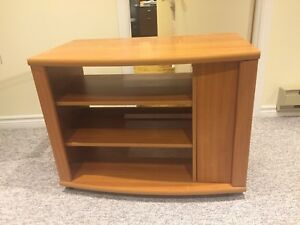 EXCELLENT MINT TV STAND / TABLE !!