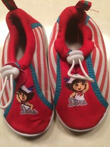 Dora size 7/8 toddler water shoes
