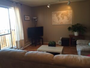 QUIET SPACIOUS 2 BDRM ON TOP FLOOR WITH BALCONY WEST END