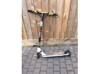 *LIMITED EDITION* SLAMM OUTBREAK PRO 2 WHITE GREEN SCOOTER